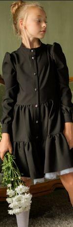 Платье фирма Barbaris 146р.