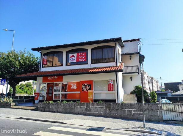 Moradia V5 para venda Centro de Vila das Aves