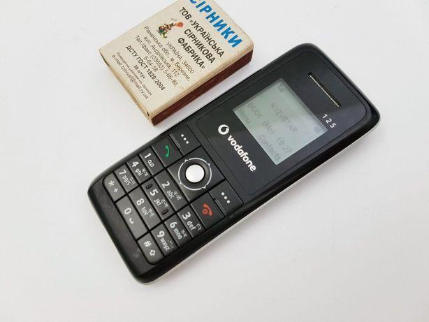 Телефон Vodafone 125 из Англии. Зарядка, Рабочий.
