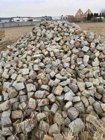 Kostka granitowa duża