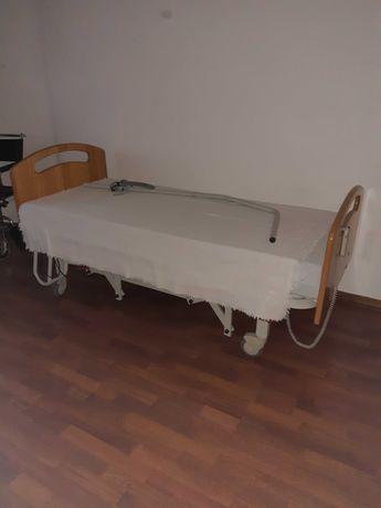 Cama articulada com colchão anti-escara
