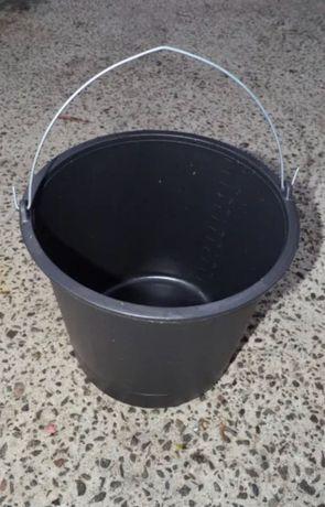 Пластмассовое ведро строительное с носиком круглые с мерной шкалой 12л