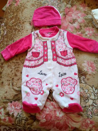 Продам детскую одежду на девочку 0-3 месяца