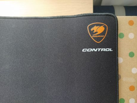 Cougar tapete gaming Control 2