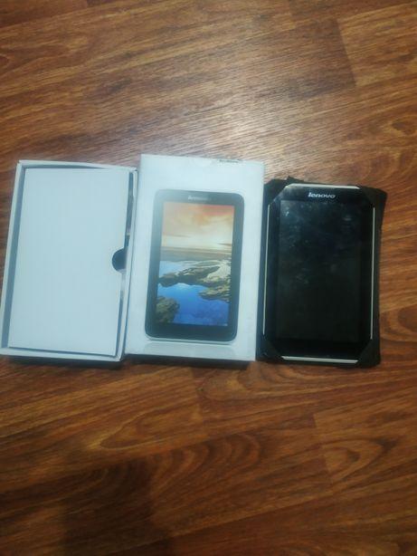 Продам планшет на запчасти lenovo a3300