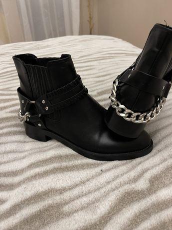 Черевики ,ботинки , pull&bear