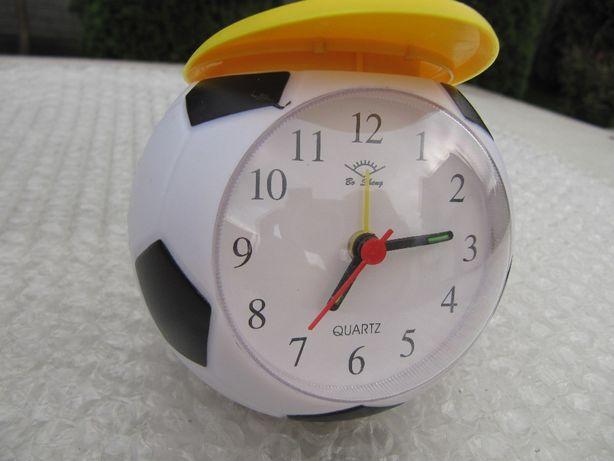Детские часы с будильником в виде футбольного мяча в кепке, новый