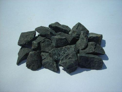 Czarny Bazalt kamień bazaltowy grys granitowy kora kamienna ziemia