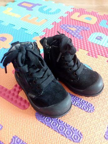 Осінні ботинки прорезинений носок