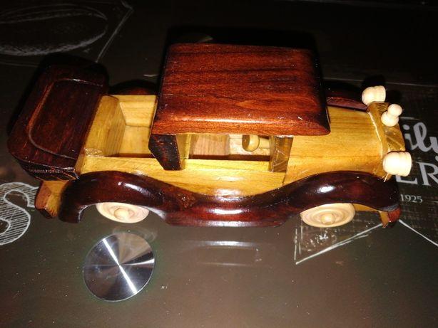 Carro de madeira de colecção