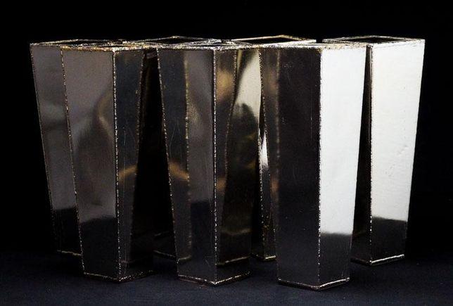 Vasos em Metal Prateado
