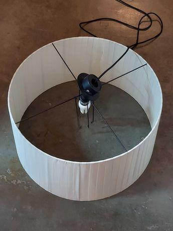 Abajur branco circular