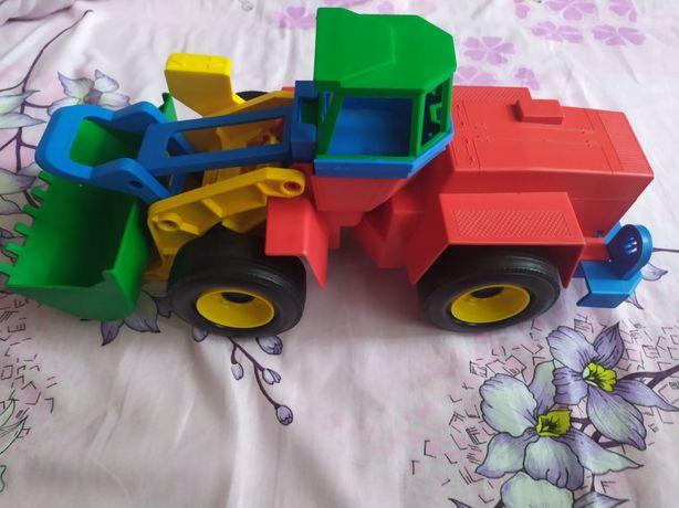 Игрушка, машинка.Машинка на улицу. Экскаватор с зелёным ковшом