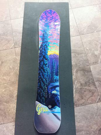 Deska snowboardowa GNU Klassy roxy burton 148