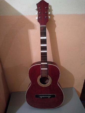 Gitara akustyczna defil