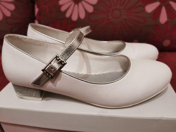 Pantofle dla dziewczynki, komunia r. 35