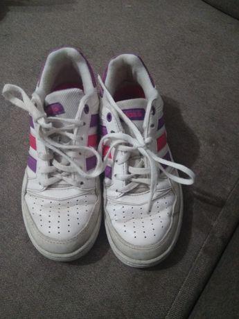 Кросовки, кросівки  кроссовки, шкіра Adidas,  33 р,  21 см стелька