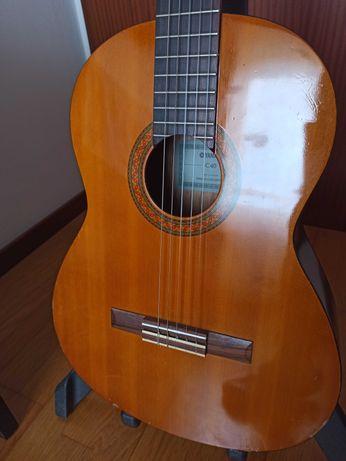 Guitarra, viola clássica Yamaha eletrificada