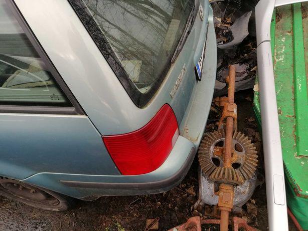 Zderzak Tylny Passat B 5 Kombi Stan BDB Maska tył lampa tył i inne
