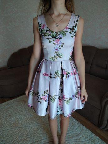 Платье атласное красивое нарядное новое разм XS илиS рост 155-165см