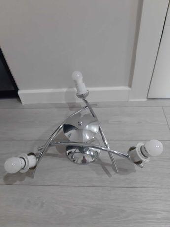Srebrna lampa bez kloszów