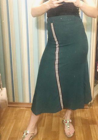 Продам зеленую юбку длинную reserved