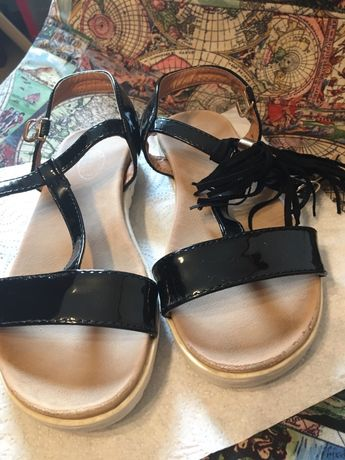 Sandały dla dziewczynki 32