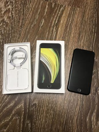 Продам iPhone SE 2020 (2поколение) 64Gb. Айфон СЕ.