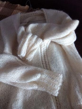 Moherowy sweterek ecru