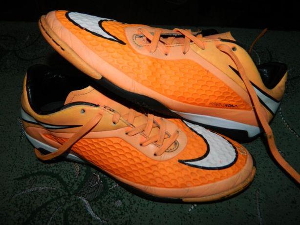 Футзалки Nike Hypervenom (оригинал) фирменные по факту размер-40 стель