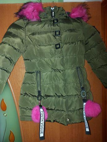 Продам куртку зимнюю для девочки на 4-5 лет
