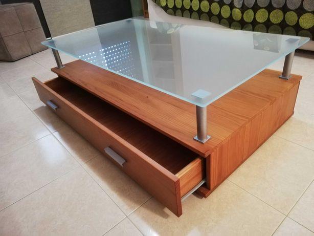 Mesa de centro com gavetas