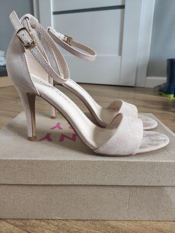 Sandałki na szpilce, różowy pudrowy, rozmiar 38