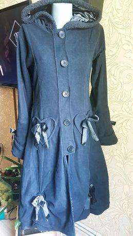 Неформальное готическое фирменное пальто клеш черное