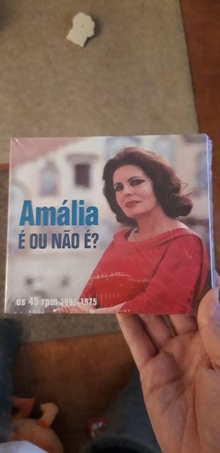 """Novo Cd triplo Amália """"é ou não é"""" ofereço cd Beatbombers"""