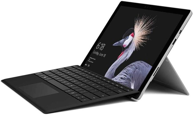 Microsoft Surface Pro 5 (i5, 4GB, 128GB) + Teclado + Caneta + Rato