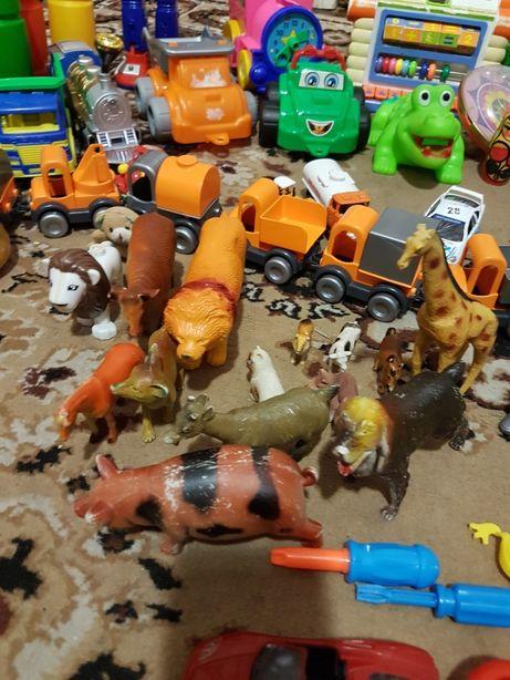 Животные, погремушки,игрушка в коляску