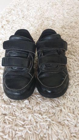 Продам кросовки Адидас