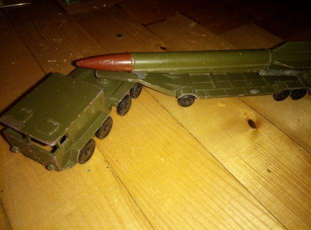 Военная техника СССР тягач с ракетой в коллекцию