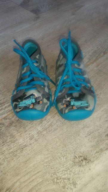 Buty tenisówki chłopięce rozmiar 22