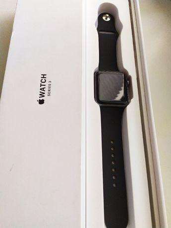 Продам часы Apple watch 3 42mm в хорошем состоянии