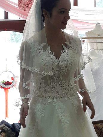 Model ENZO Sprzedam Suknię Ślubną kolor Ivory