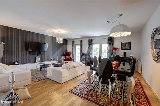 Apartamento de luxo de tipologia T4 para venda