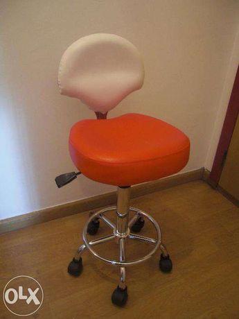 Cadeira de estética e manicure NOVAS