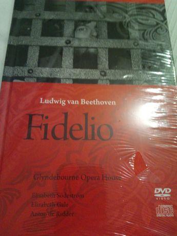 Fidelio opera na CD+DVD+książka