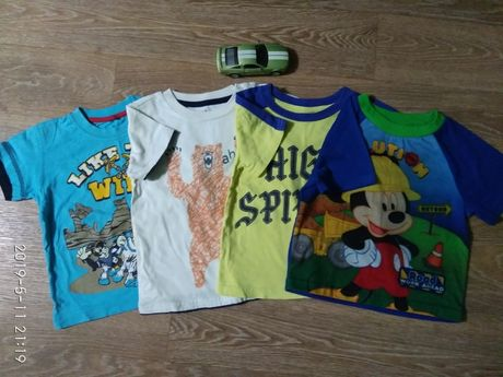 Фирменные футболочки (р.90-96) 4 шт. за 250 руб.