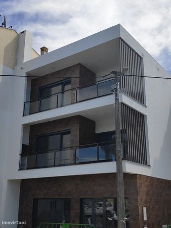Apartamento Duplex T4 com boas áreas-Marisol, Qta Valadares.NEGOCIAVEL