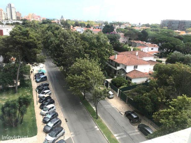 T2 mobilado, no Bairro do Rosário, Av. Infante D. Henriqu...