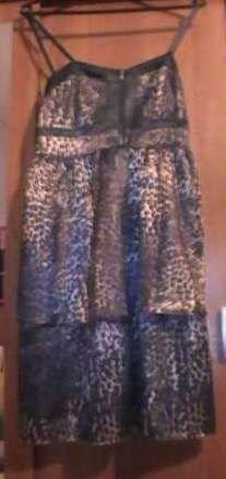 2 sukienki rozmiar 38 za 30 zł.