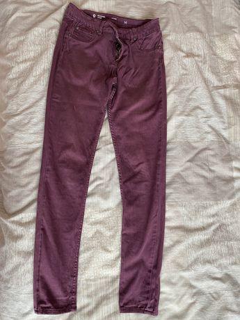 Продам джинсы 48 размер в хорошем состоянии на парня